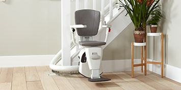 https://oaktreemobility.co.uk/wp-content/uploads/stairlift-slider-new-5.jpg
